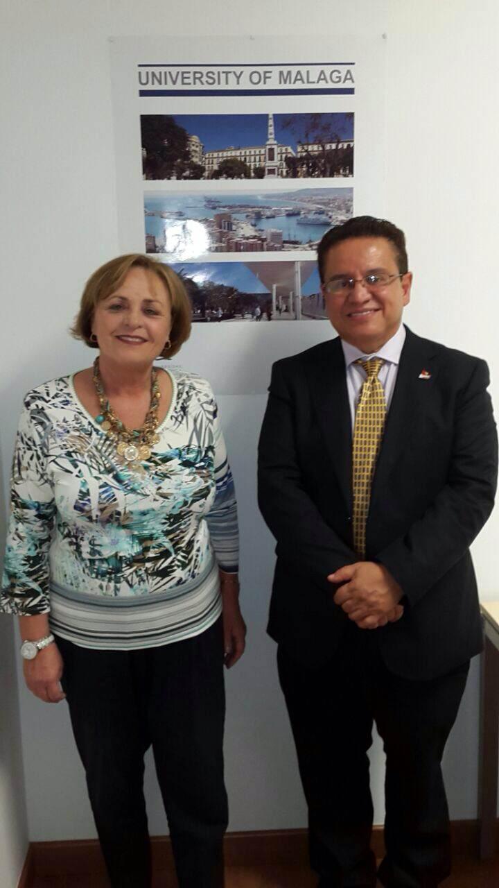 Rector Oscar Leon Maria del Castillo en visita oficial Universidad de Malaga