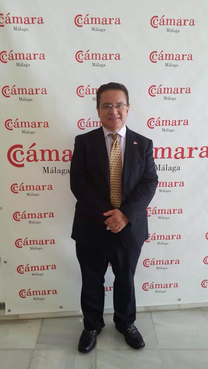 Rector Oscar Leon en visita Camara comercio de Malaga