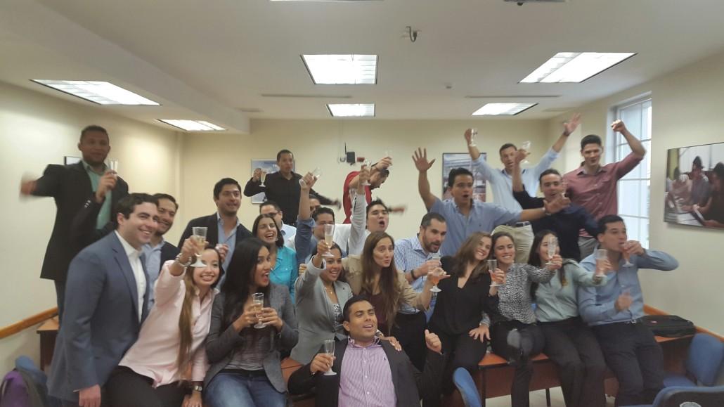 Celebración y brindis del último día de clases de la Maestría en Administracion de Empresas de Florida International University - Quality Leadership University