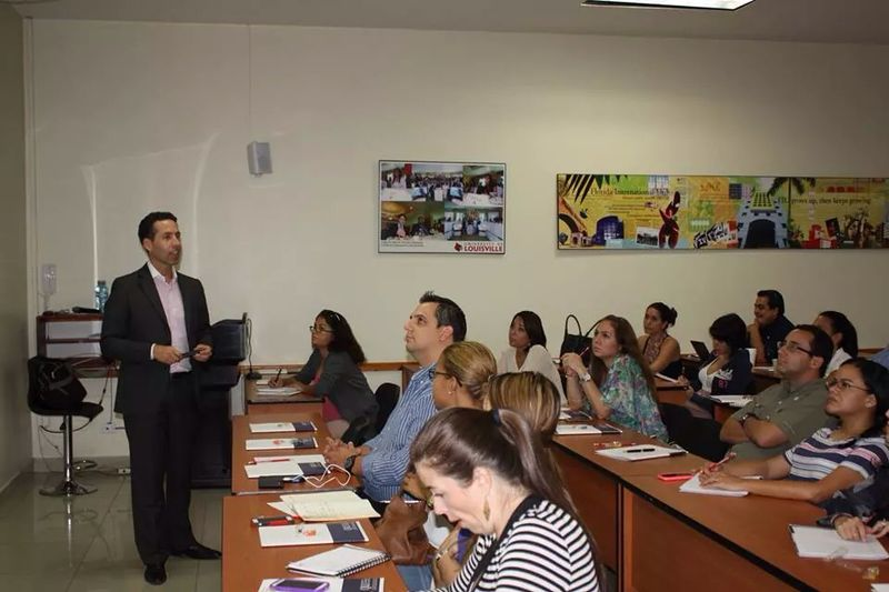 Conferencia SEO University of Louisville Panama por Nestor Romero