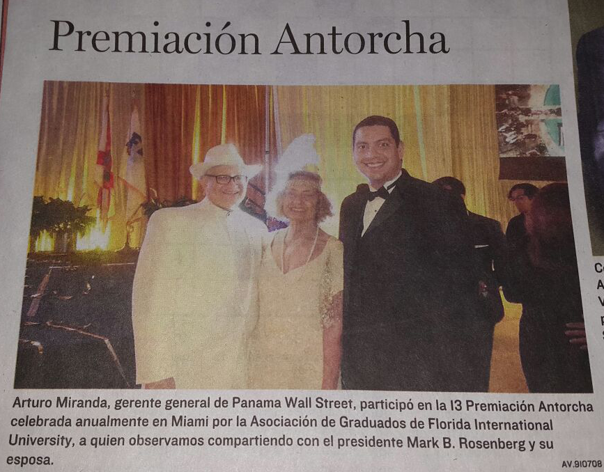 treceava Premiación Antorcha celebrada anualmente en Miami por la Asociación de Graduados de Florida International University